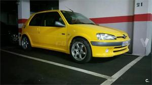 peugeot 106 berlina sport 14 gasolina color amarillo barcelona cozot coches. Black Bedroom Furniture Sets. Home Design Ideas