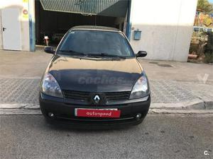 Renault Clio Pack Authentique v 3p. -05