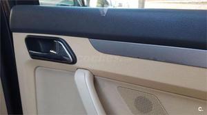 Volkswagen Touran 2.0 Tdi Dsg Trendline 5p. -03