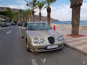 Jaguar S-type V6 3.0 Executive 4p. -00