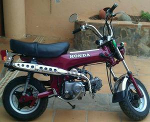 HONDA ST 70 DAX (