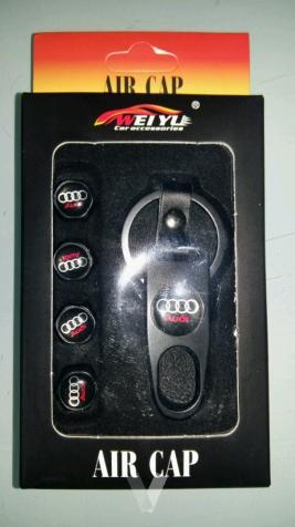 Llavero y 4 unidades tapones de rueda Audi