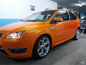 Ford Focus 2.5 St Racing Orange 3p. -06