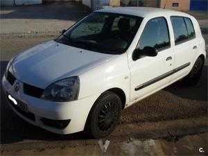 Renault Clio Authentique v 5p. -07
