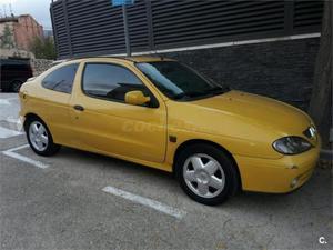 Renault Megane Coupe Dynamique v 2p. -01