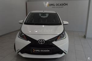 Toyota Aygo  Xplay Business 5p. -16