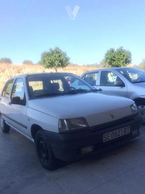 RENAULT Clio CLIO 1.2 RT -92