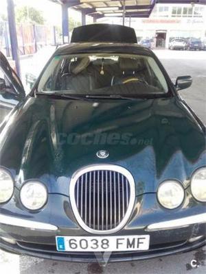 Jaguar S-type V6 3.0 Executive 4p. -99