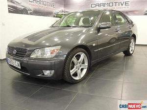 Lexus is  luxury '03 de segunda mano