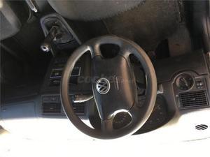 Volkswagen Golf 1.9 Tdi Advance 100cv 3p. -02