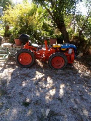 Tractor Pascuali con arado