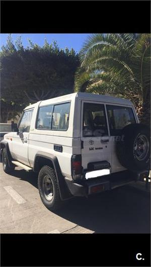 TOYOTA Hilux HILUX 2.5 TD CHASSIS CABINA 2p.
