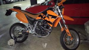 KTM 640 Supermoto (
