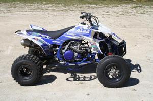 Yamaha YFZ 450 (sólo circuito)